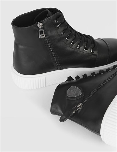 Antoinette Black Leather Mens Sneaker