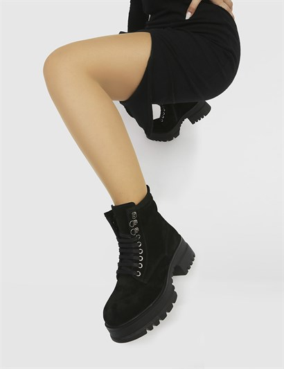 Jekna Black Suede Womens Boot