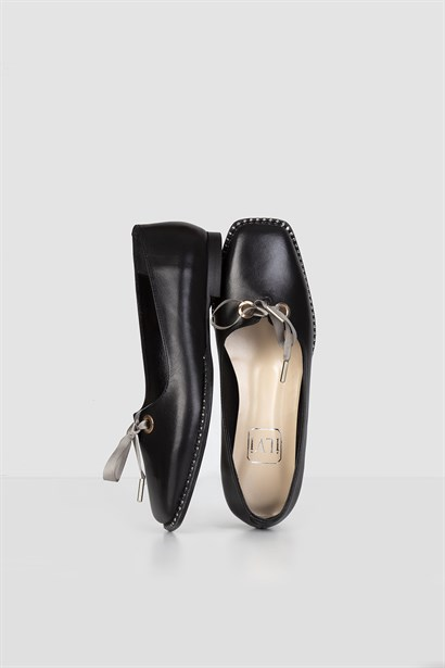 Larry Womens Ballerina Black Leather