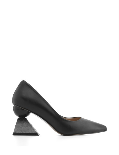Nikol Womens Pump Black Leather