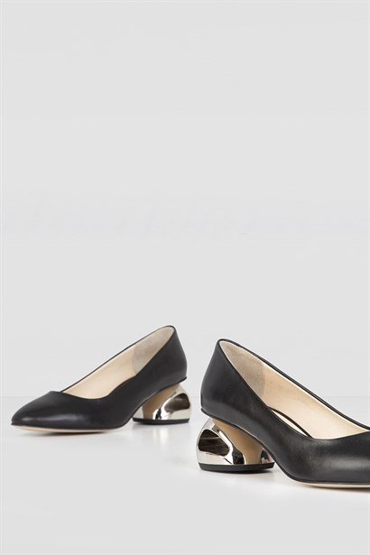Refer Womens Pump Black Leather