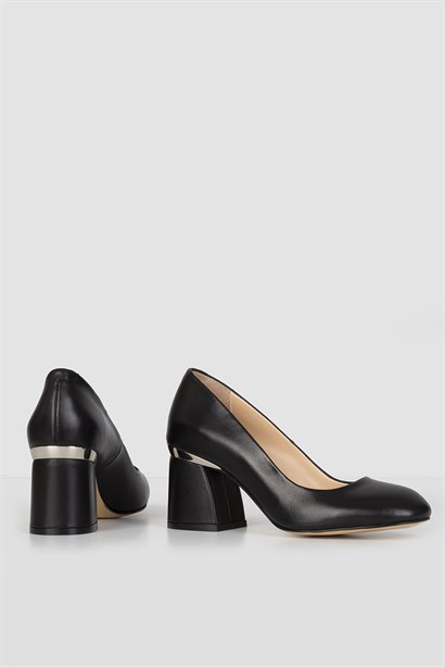 Tuman Womens Pump Black Leather